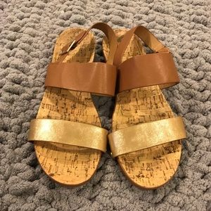 Cute gold and brown Restricted cork sandals Sz 10